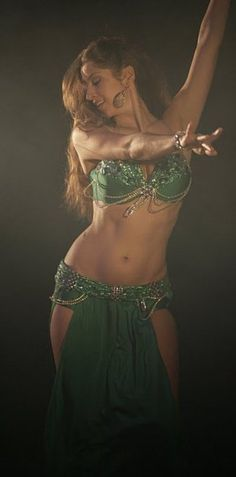 Drum belly dance solo